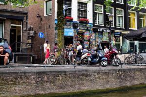 visitar coffee shops amsterdam
